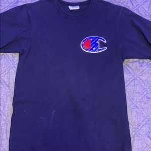 Authentic champion shirt! Size : small